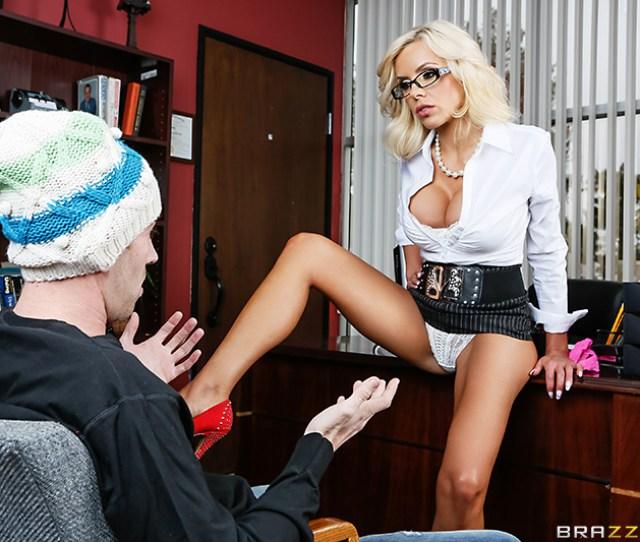 Hd Porn Video Panty Raid Top Pornstar Nina Elle Danny D