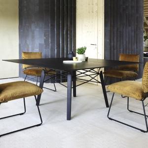table carree en bois la qualite au