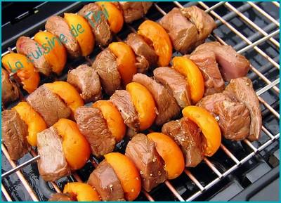Recette  Brochettes de magret de canard aux abricots  750g