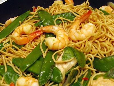 Recette  Wok de nouilles chinoises aux crevettes et poulet  750g