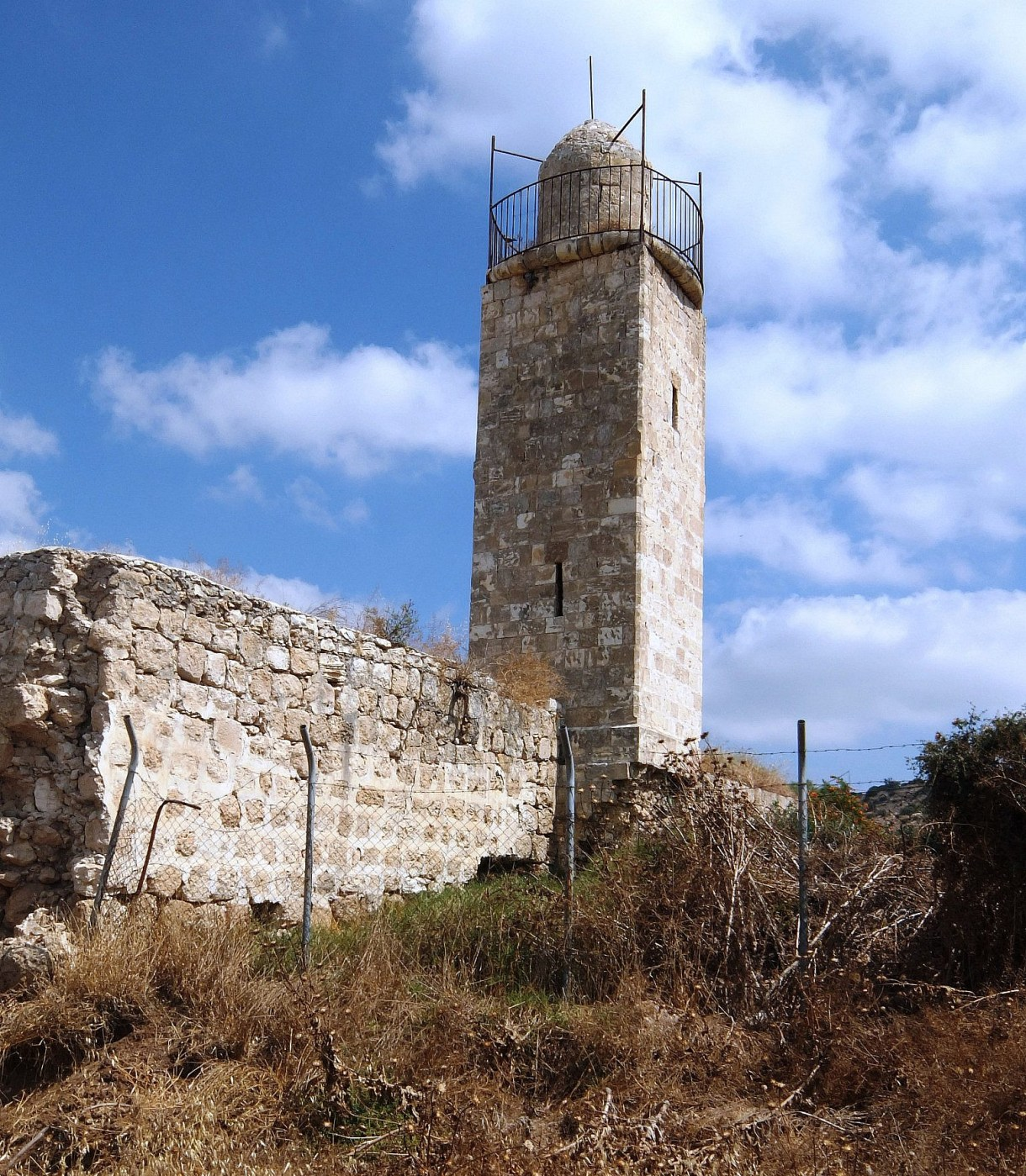 Remains of a minaret and mosque from an earlier period in Zakariah's history. Davidbena/Wikimedia Commons)