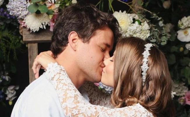 Bindi Irwin Marries Chandler Powell In Surprise Wedding