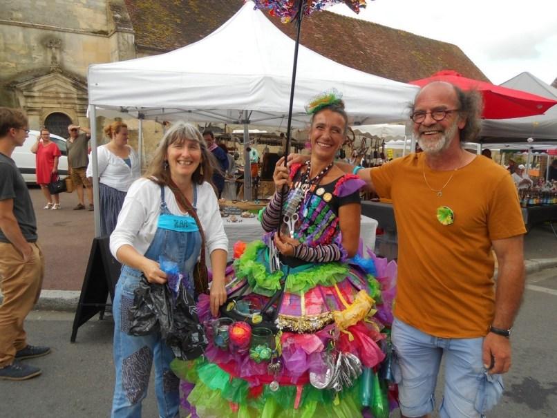 Lors du Festival Hurlu Belles Rues en 2019, les habitants de Cambremer (Calvados) avaient pu rencontrer le magicien Justin Campart.