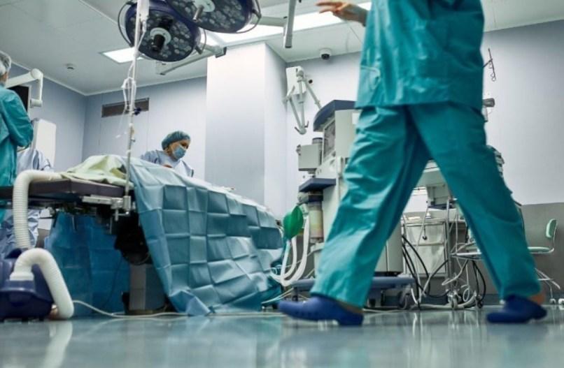 Les hospitalisations ont plus que triplé en un mois dans la région Occitanie, selon le directeur de l'ARS, Pierre Ricordeau.