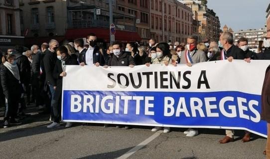 Des centaines de personnes ont manifesté leur soutien à Brigitte Barèges, samedi 13 février 2021 à Montauban (Tarn-et-Garonne