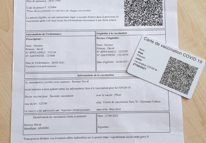 Une carte de vaccination a été mise en place au centre de vaccination de la mairie du 7ème arrondissement de Paris.