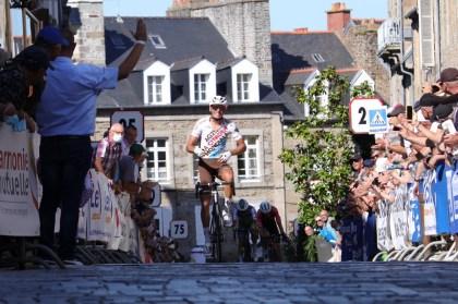 Biking.  Bastien Tronchon wins the Fougères GP, Laval Biking with out regrets