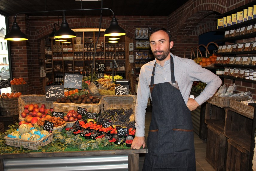 On Friday, October 1, 2021, Thibault Huché received his first customers at his delicatessen located in the old pharmacy in Bourg-Achard (Eure).