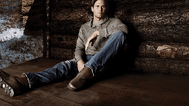 Tom Brady Makes His Periscope Debut While Shooting an Ad for Ugg Australia – Adweek