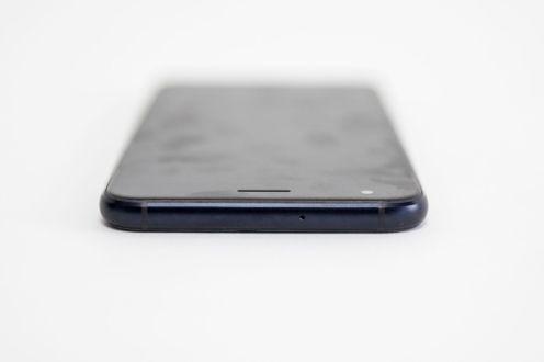 ASUS ZenFone 4 ZE554KL -011