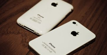 IPhone_4S_Compared_to_iPhone_3GS