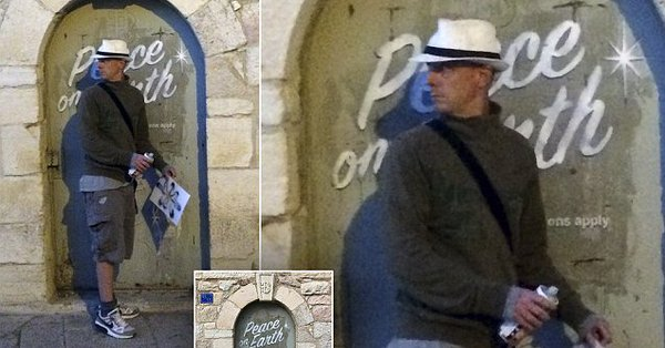 banksy unmasked tourist claims