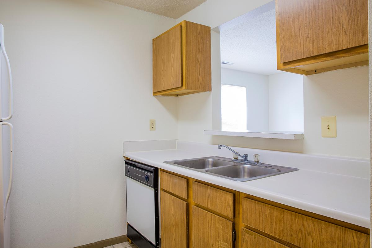Bradford Woods Amenities  Apartments in Peoria IL with Utilities Included