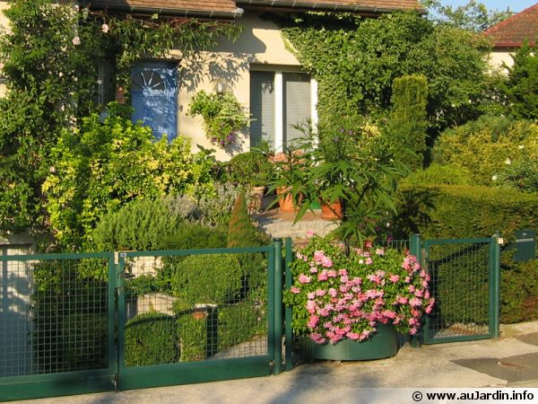 Amnagement D Un Petit Jardin De Ville Cool Incroyable