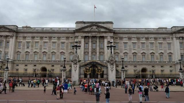 Queen hat ungebetenen Besuch Polizei schnappt Einbrecher