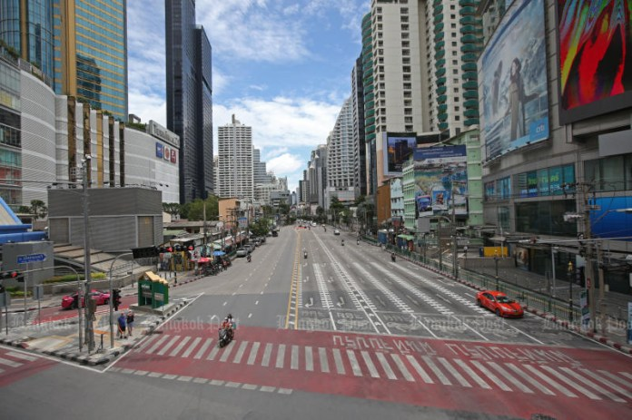 A shopping area around Asoke intersection is quiet after all department stores in Bangkok are ordered closed from July 20. (Photo: Varuth Hirunyatheb)