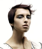 short hairstyles with flipped bangs