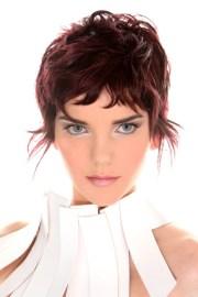 feminine short layered hairstyles