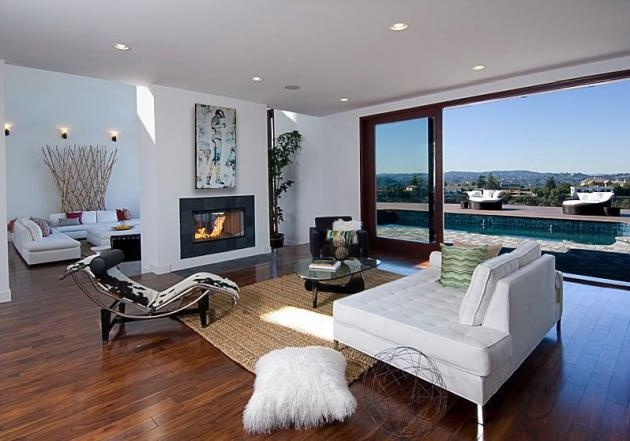 Rihannas Home in Beverly Hills California