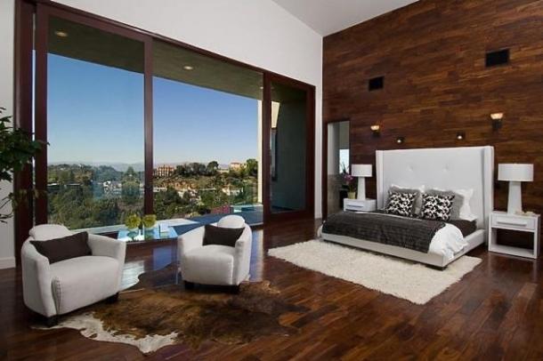 Rihannas Home in Beverly Hills California
