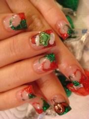 christmas themed nail art design
