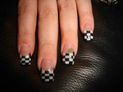 checkered nail design