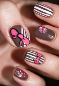 Nail Design With Bows
