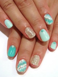 Chic and Easy Fall Nail Art Designs.