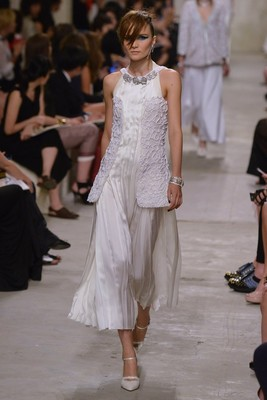 Chanel Resort 2014 Look 13