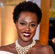 celebrities with natural hair