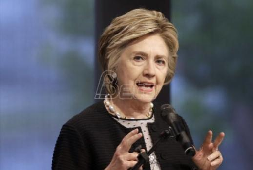 Klintonova: Trampova pretnja o povlačenju iz iranskog sporazuma opasna