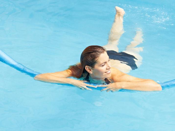 La ginnastica in gravidanza da fare al mare o in piscina  Bimbi Sani e Belli