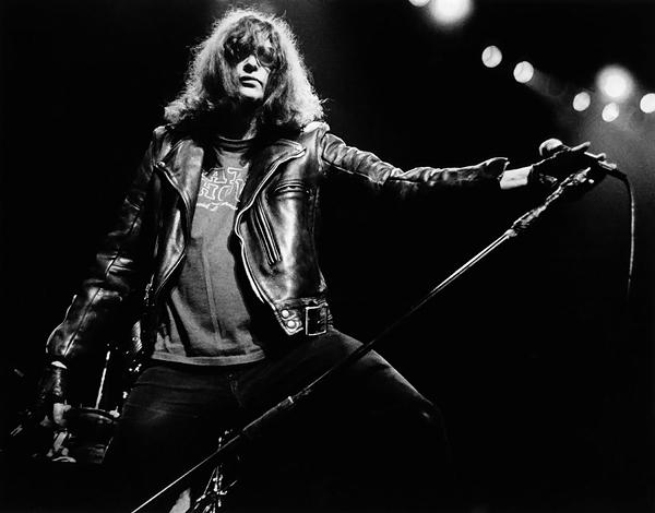 Joey-Ramone-11.jpg