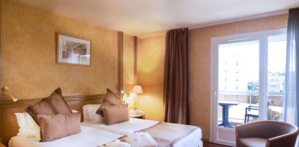 Htel Croisette Beach 4 Cannes France