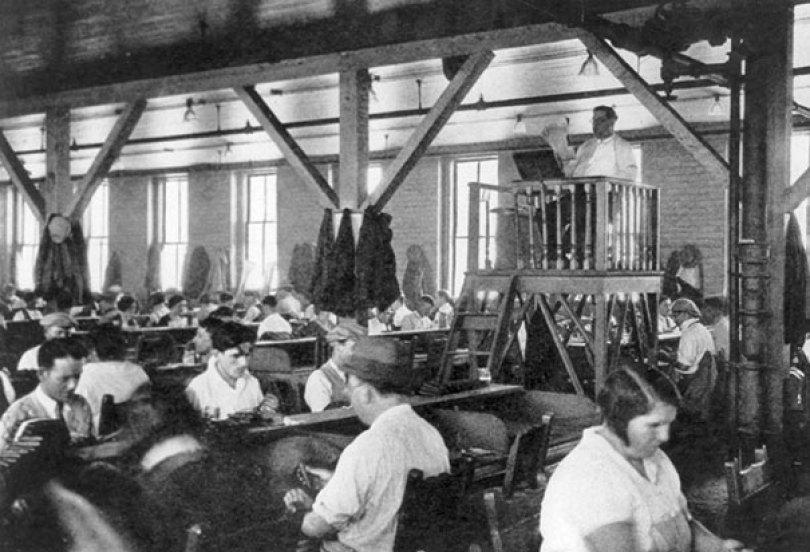 extinct vintage jobs 7 1 - Trabalhos de antigamente que não existem mais