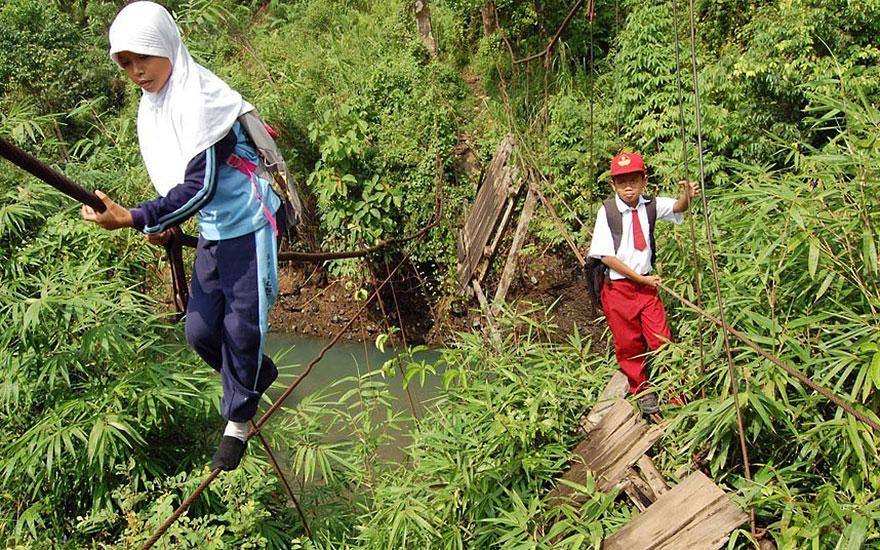 children-going-to-school-around-the-world-27