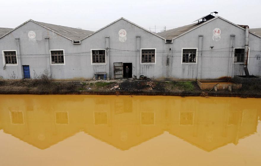 Heavily Polluted River In Jiaxing, Zhejiang