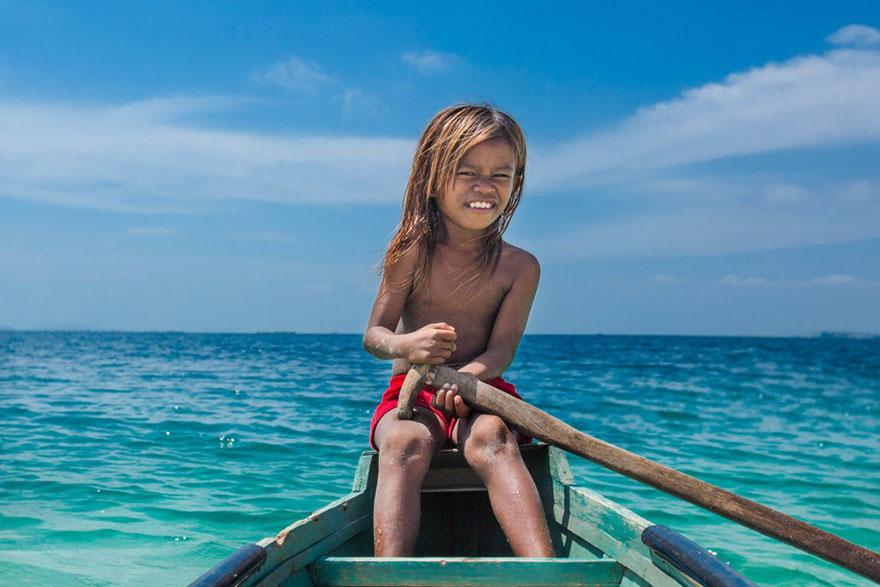 sea-tribe-gipsies-the-bajaus-rehan-borneo-12