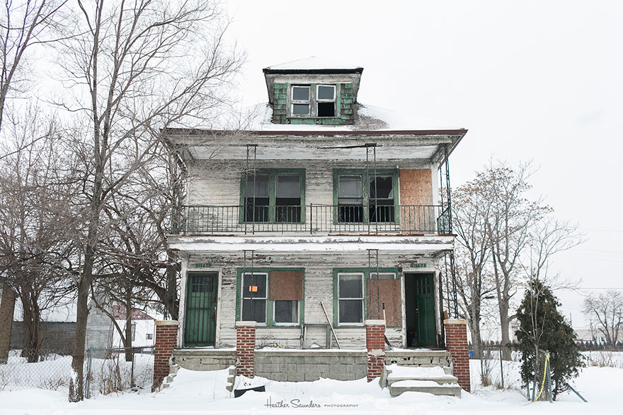 abandoned-flower-garden-house-building-detroit-lisa-waud-3