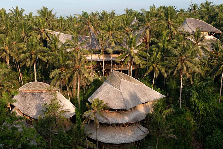 bamboo-house-ted-talk-sharma-springs-elora-hardy-ibuku-bali-4