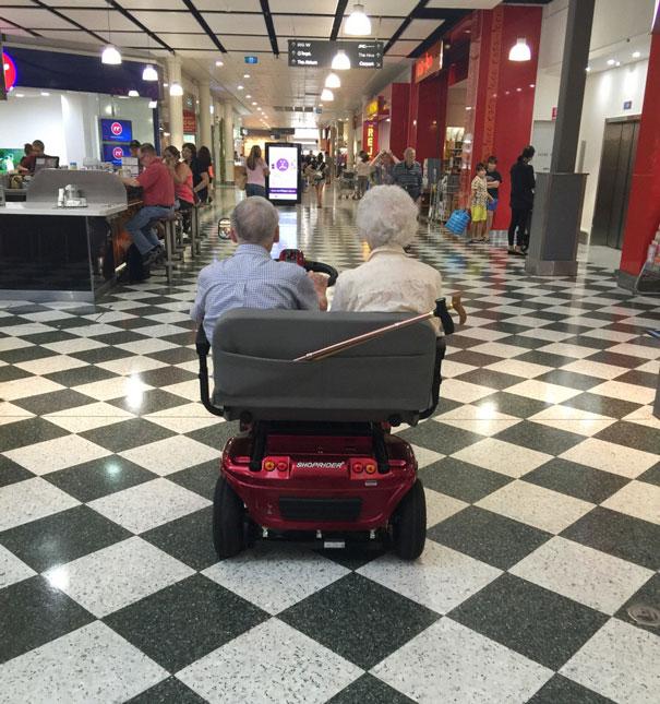 https://i0.wp.com/static.boredpanda.com/blog/wp-content/uploads/2015/05/old-couples-having-fun-21__605.jpg