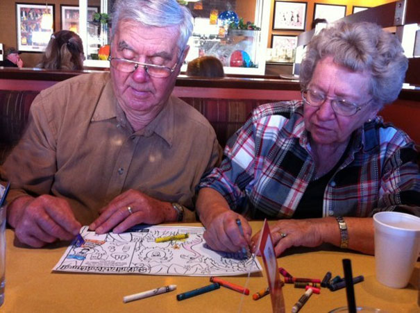 https://i0.wp.com/static.boredpanda.com/blog/wp-content/uploads/2015/05/old-couples-having-fun-4__605.jpg