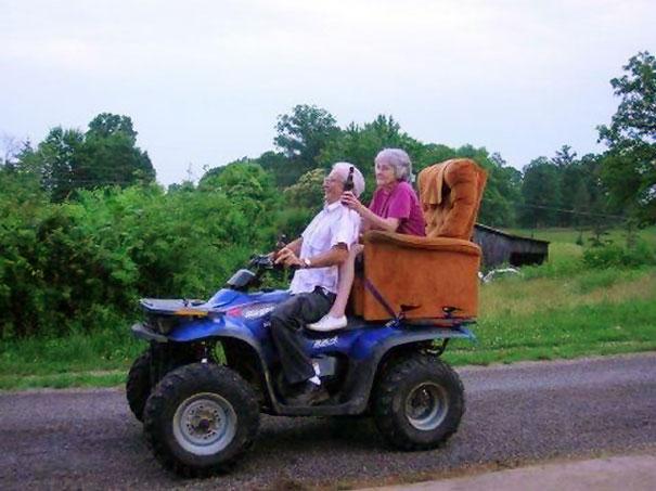 https://i0.wp.com/static.boredpanda.com/blog/wp-content/uploads/2015/05/old-couples-having-fun-7__605.jpg