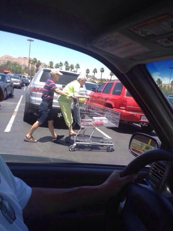 https://i0.wp.com/static.boredpanda.com/blog/wp-content/uploads/2015/05/old-couples-having-fun-8__605.jpg