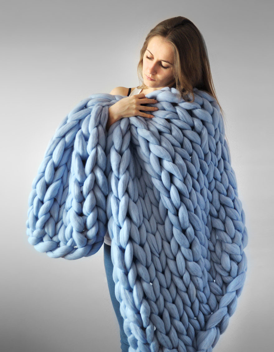 giant-super-chunky-wool-knitwear-blankets-anna-mo-1