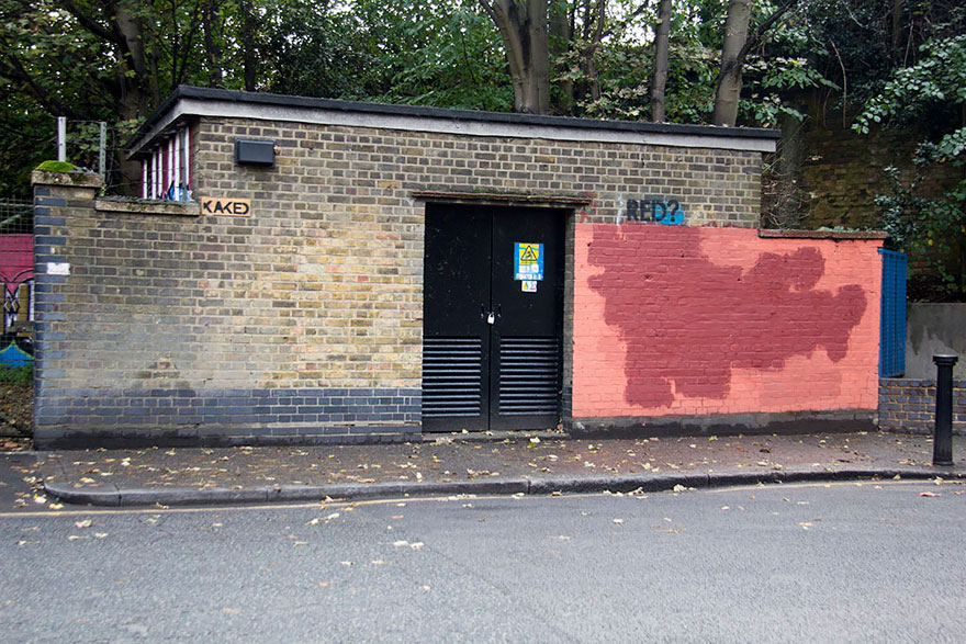 red-wall-graffiti-experiment-london-mobstr-curious-frontier-16
