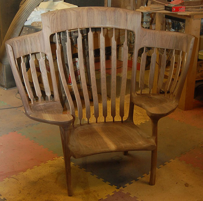 Dad Builds Triple Rocking Chair So He Could Read To His 3