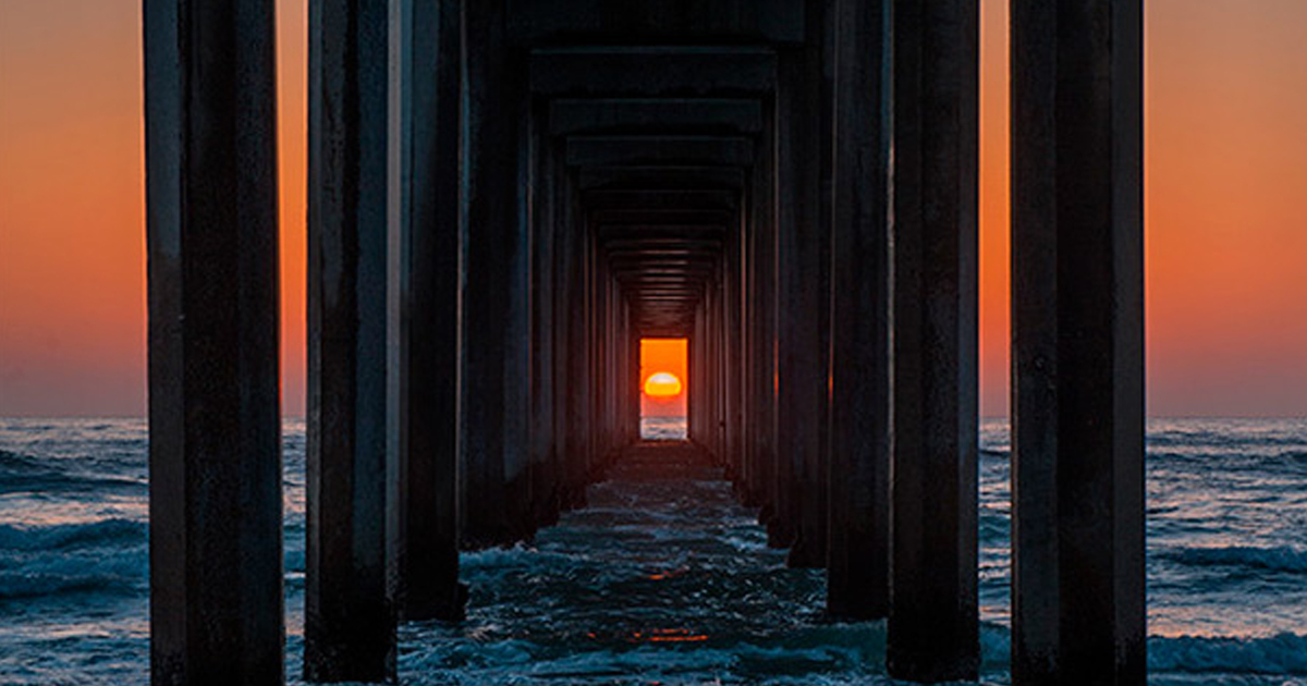 Panda Wallpaper Iphone X Twice A Year The Sunset Aligns Perfectly With This Pier