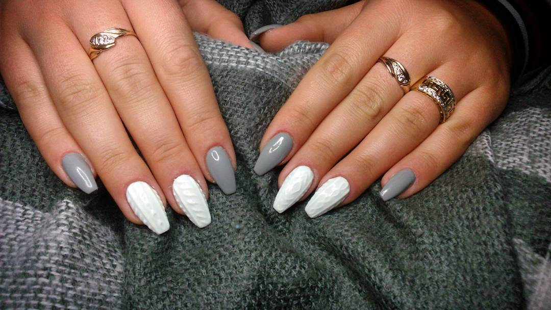 Cozy Knit Nail Trend Matches Perfectly With Your Winter