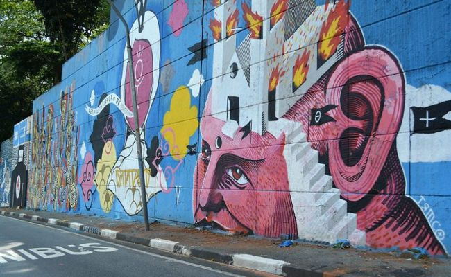 More Than 200 Graffiti Artists Turned 23 De Maio Avenue In